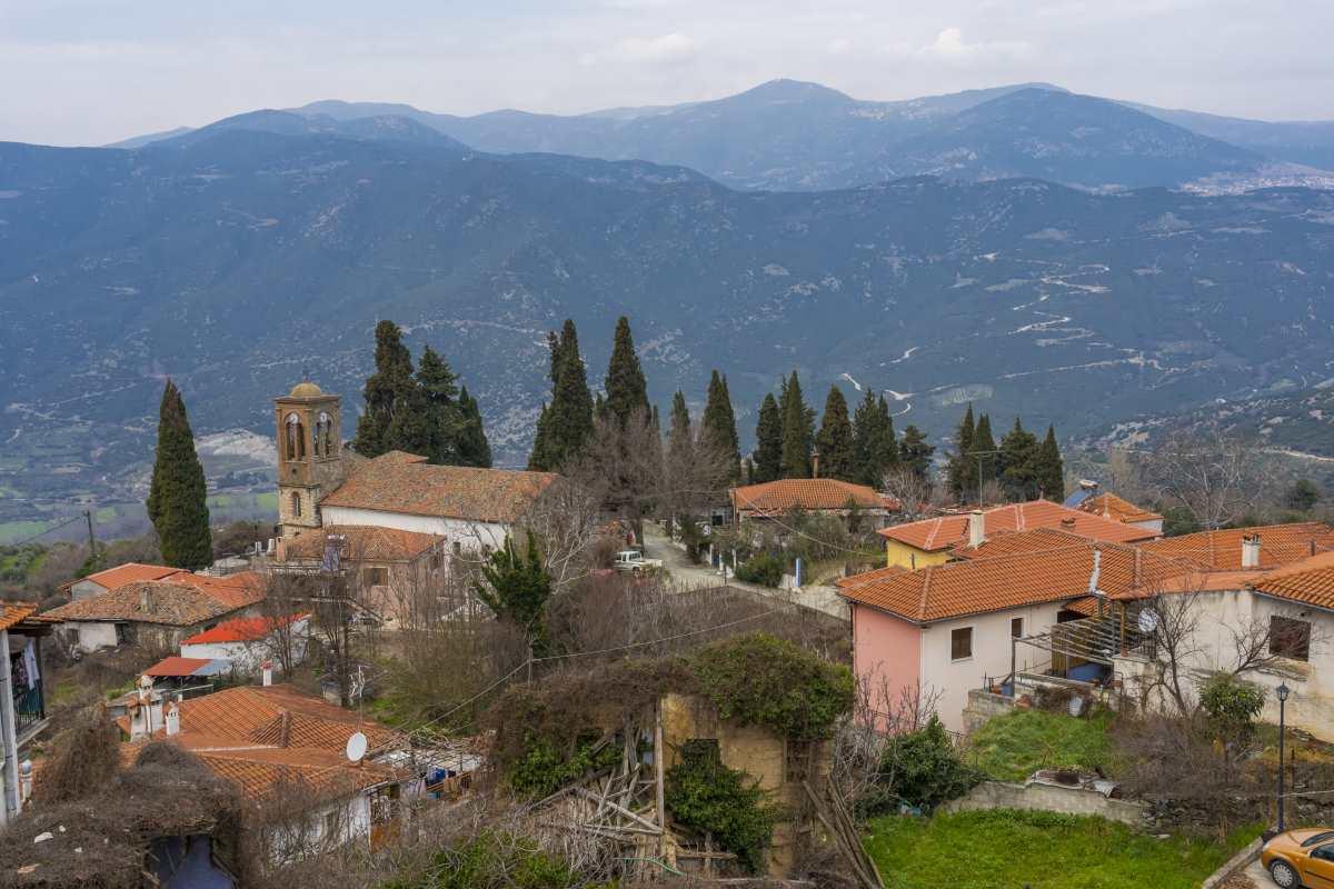 Αμπελάκια Λάρισα, πανοραμική θέα από το χωριό