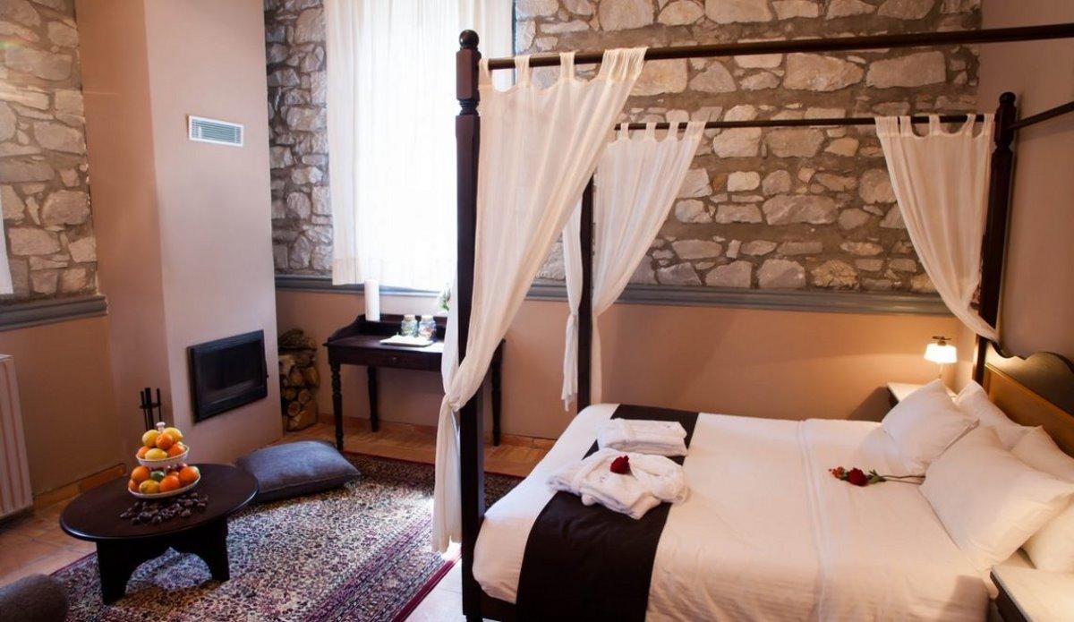 Άνω Δολιανά χωριό Αρκαδίας αποδράσεις Σαββατοκύριακο ξενώνας 1821 δίκλινο δωμάτιο