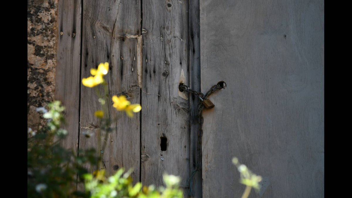 Αράδαινα Σφακίων λουκέτο σε σπίτι