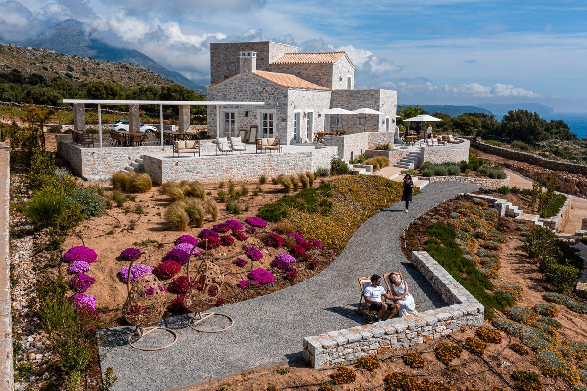 Aria Estate Suites & Spa ξενοδοχείο Αρεόπολη κήπος