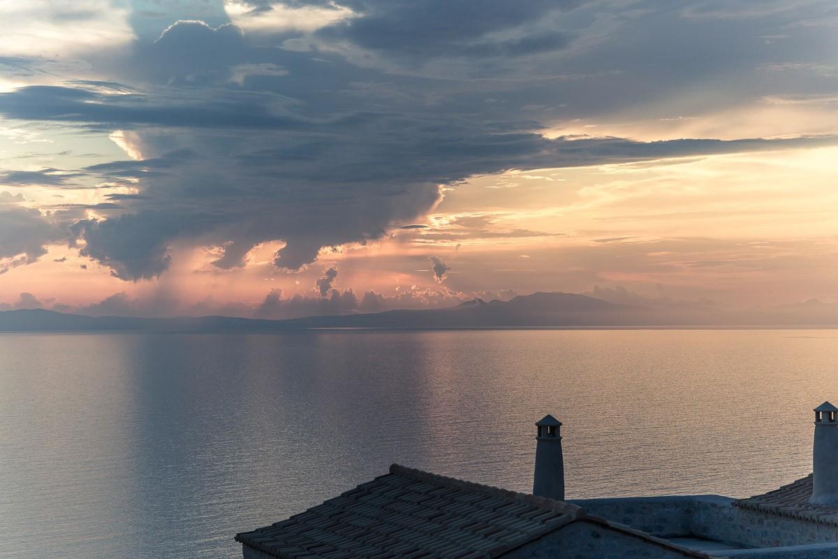 Aria Estate Suites & Spa ξενοδοχείο Αρεόπολη θέα ηλιοβασίλεμα