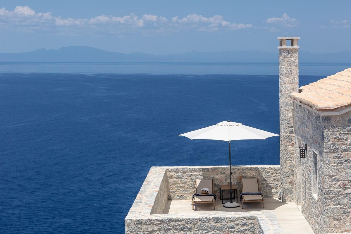 Aria Estate Suites & Spa ξενοδοχείο Αρεόπολη μπαλκόνι θέα