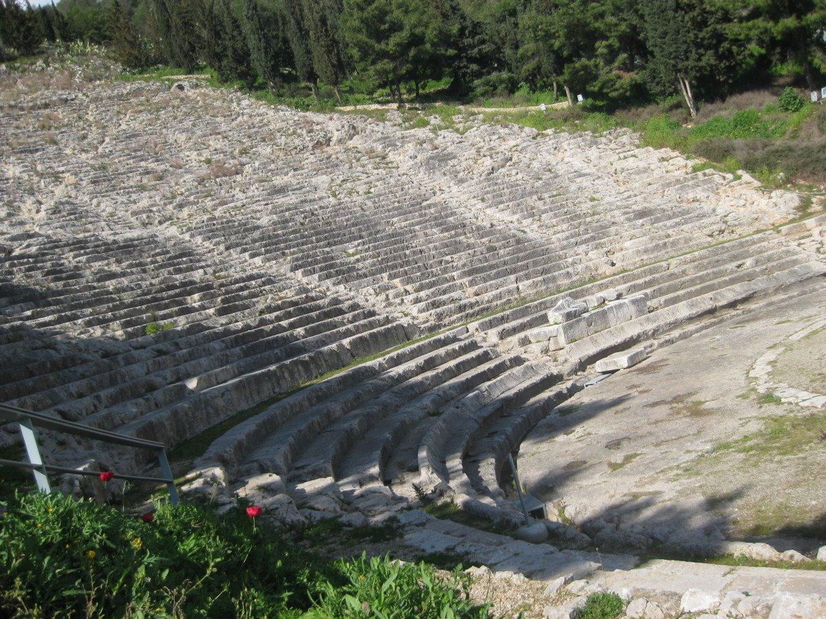 Μυστικές στάσεις Ναύπλιο αρχαίο θέατρο Άργους