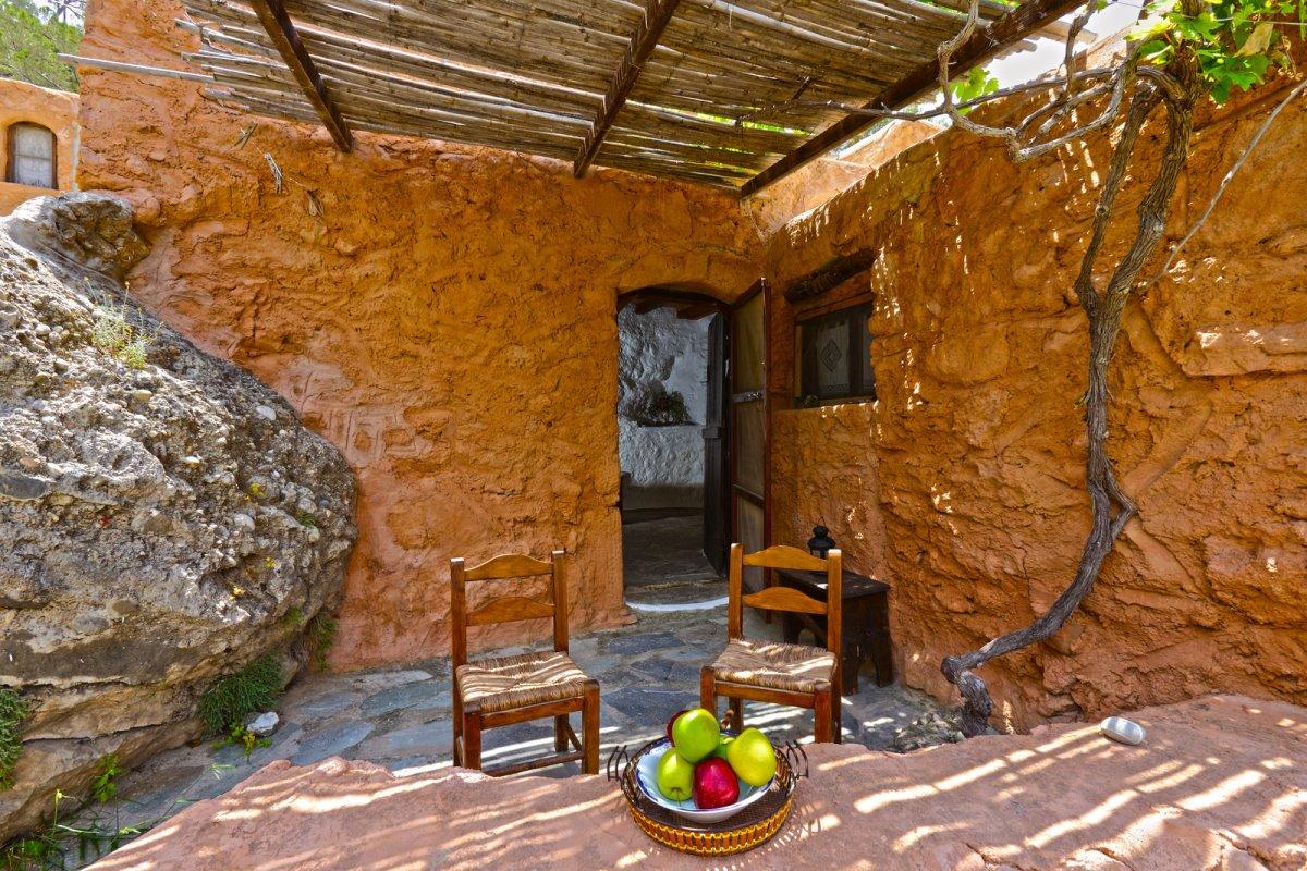 Άσπρος Ποταμός Ιεράπετρα οικοτουριστικό χωριό εξωτερικά αυλή