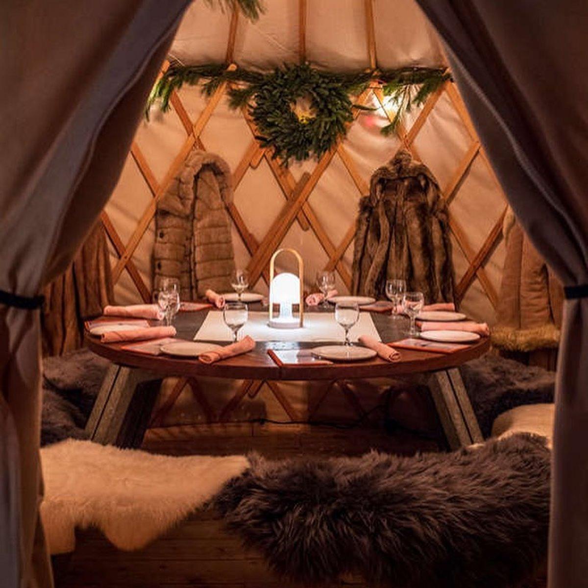 Εστιατόριο χειμώνα Aurum Food & Wine σκηνές ρουστίκ