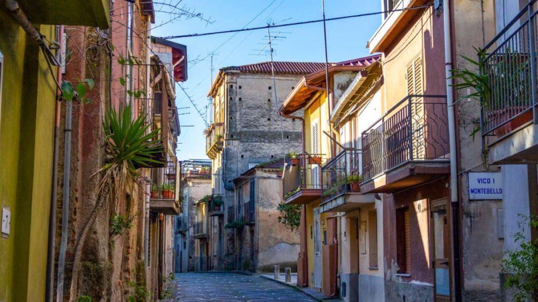 Cinquefronti χωριό πωλείται για 1 ευρώ