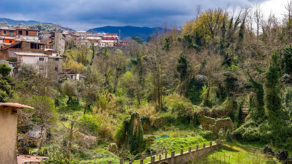 Cinquefronti χωριό πωλείται για 1 ευρώ μέσα στο πράσινο