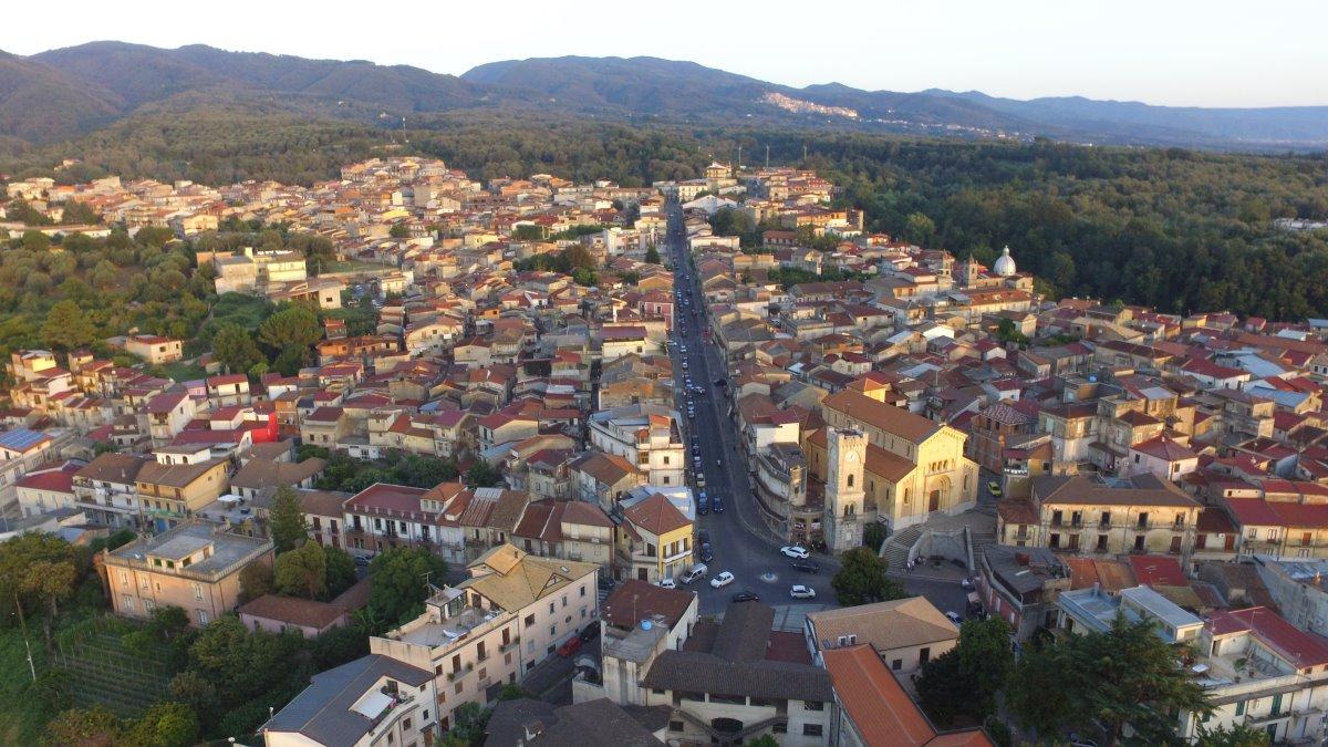 Cinquefronti χωριό πωλείται για 1 ευρώ πανοραμική