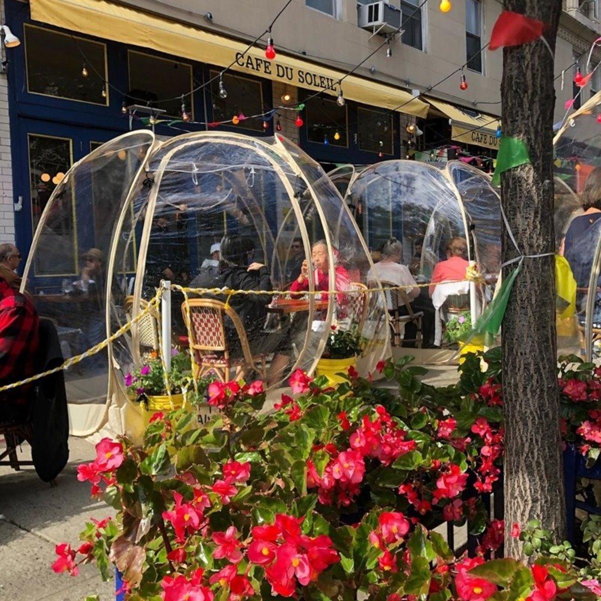 Cafe du Soleil εστιατόρια τον χειμώνα μέσα σε φούσκες