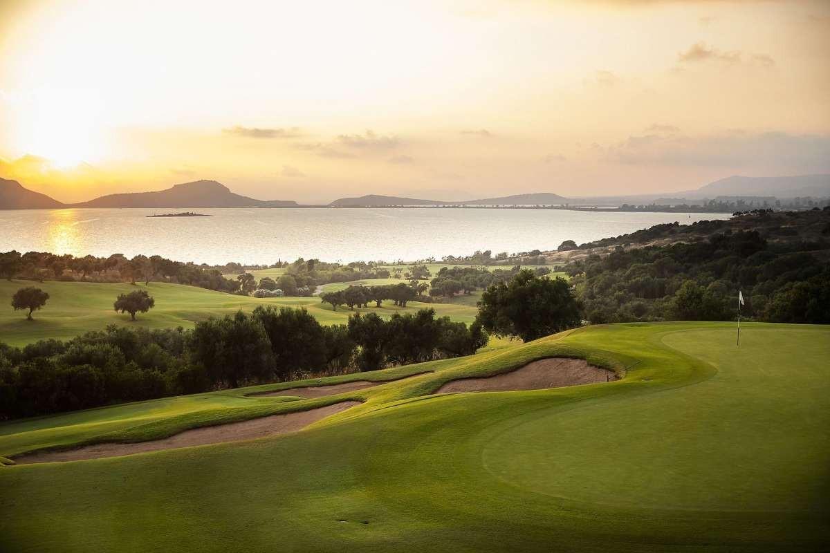 costa navarino καλύτερο ξενοδοχείο γκολφ