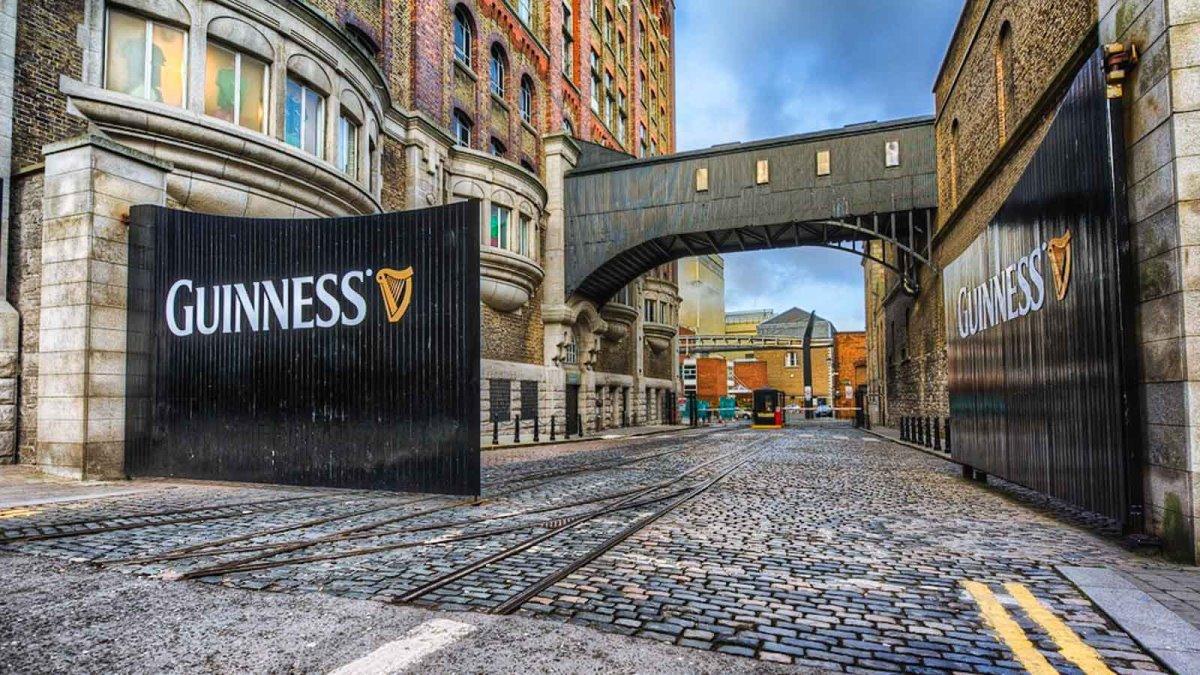 Δουβλίνο φτηνή πτήση Ryanair Guinness