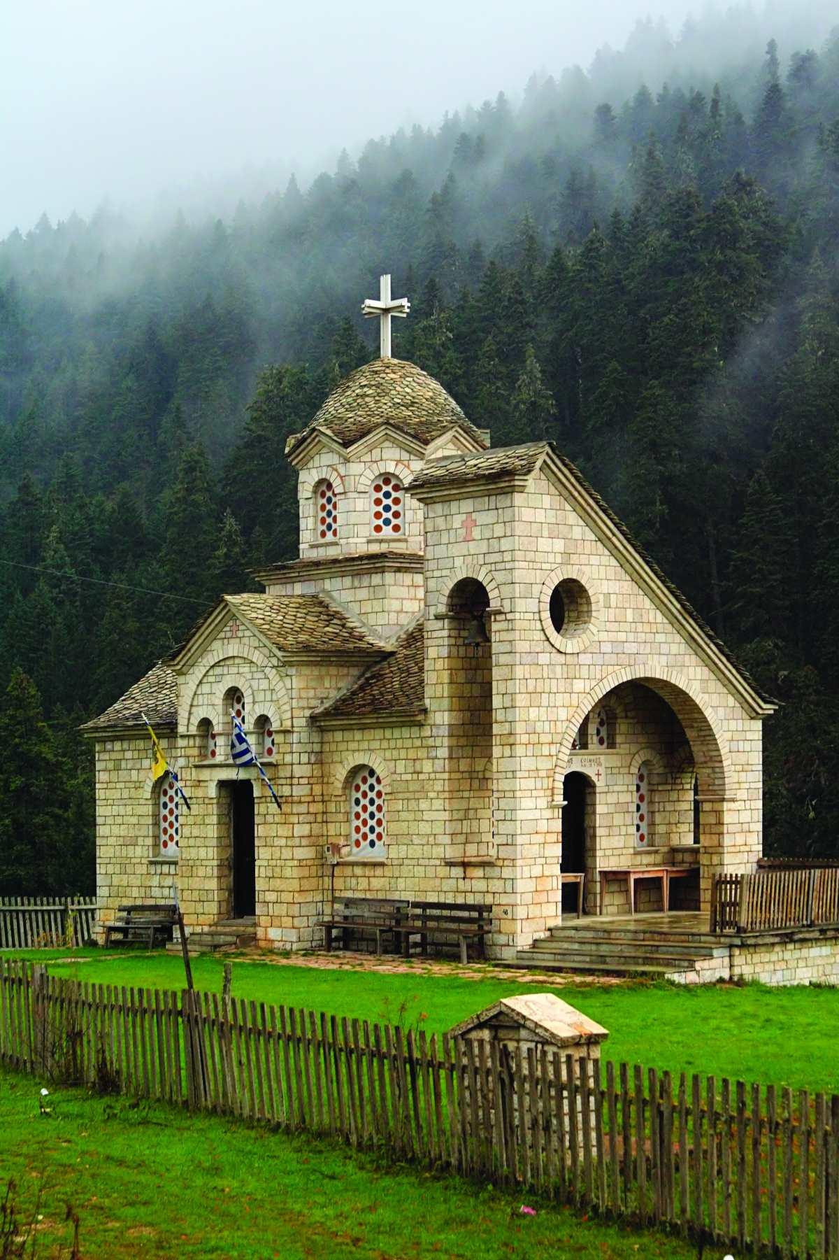 Εκκλησία στο Περτούλι
