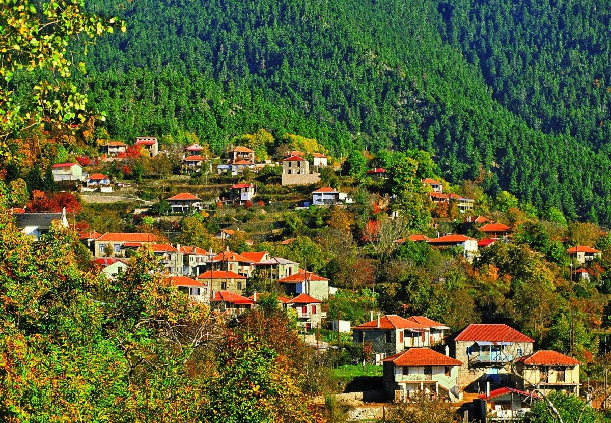 Ελατού ορεινή ναυπακτία όμορφα χωριά πανοραμική