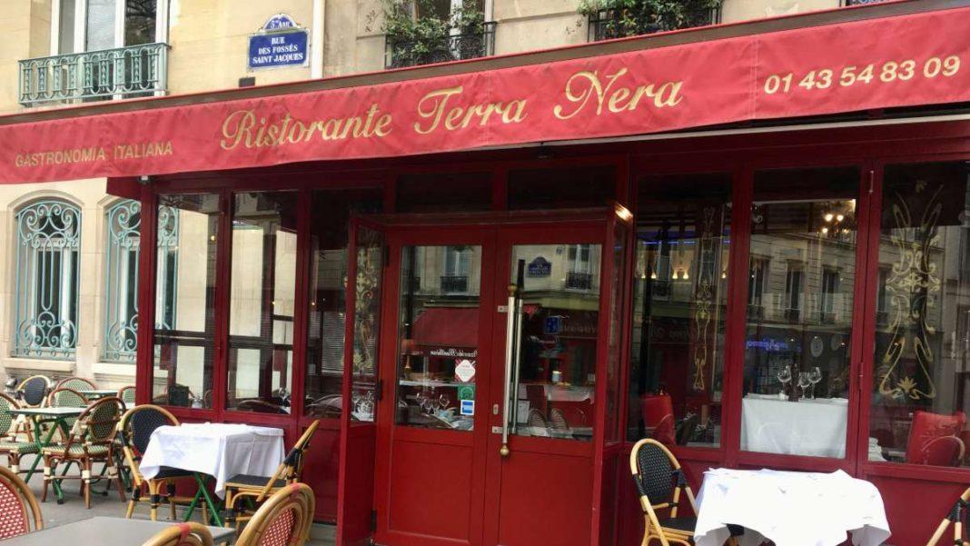 Emily in Paris εστιατόριο Παρίσι γυρίσματα Terra Nera