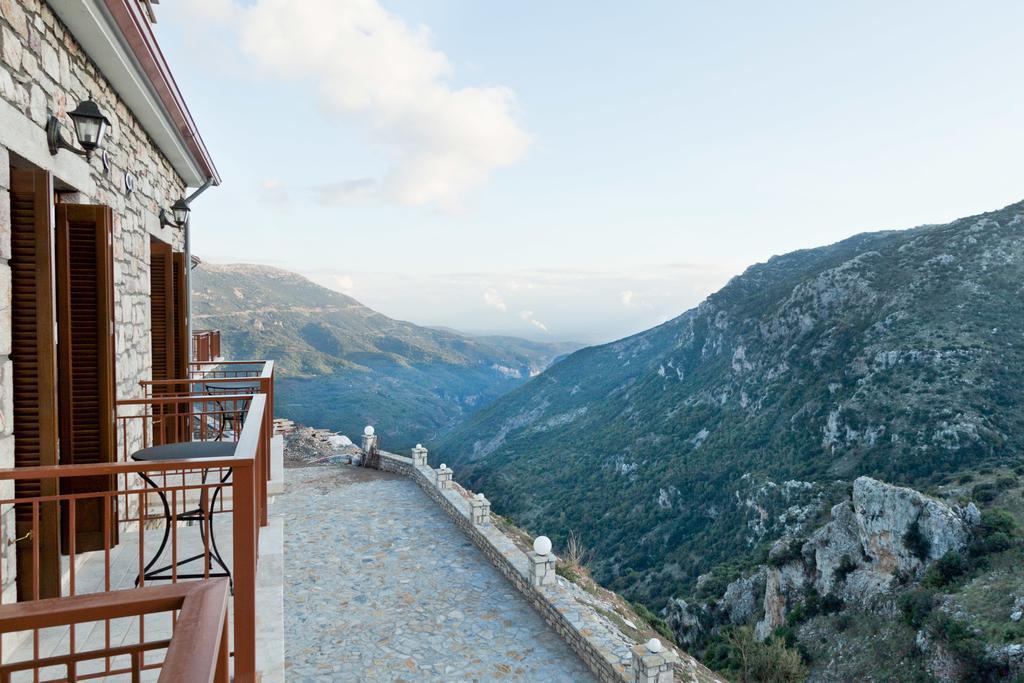 Η υπέροχη θέα από το ξενοδοχείο Evola, στην Αρκαδία