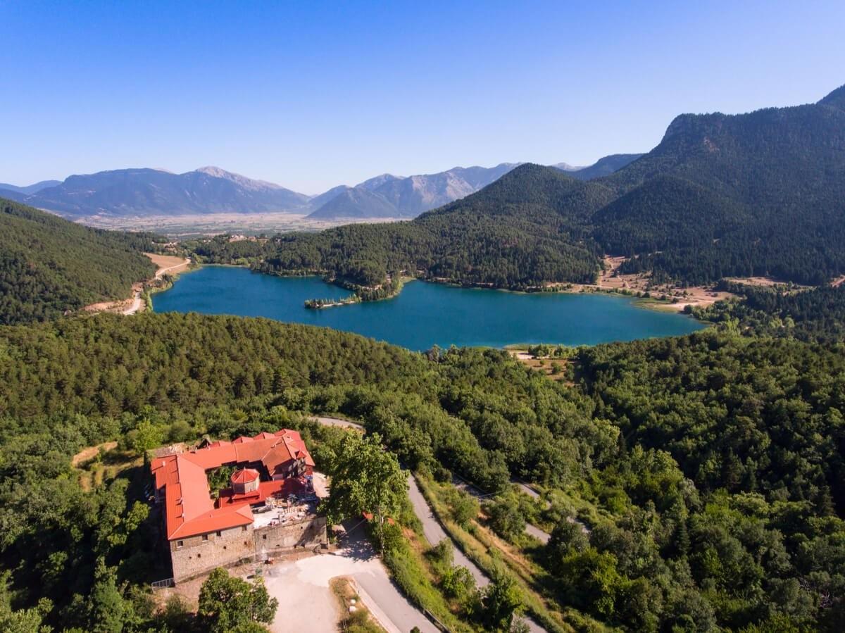 Φενεός λίμνη Δόξα πανοραμική για μονοήμερη 28η Οκτωβρίου