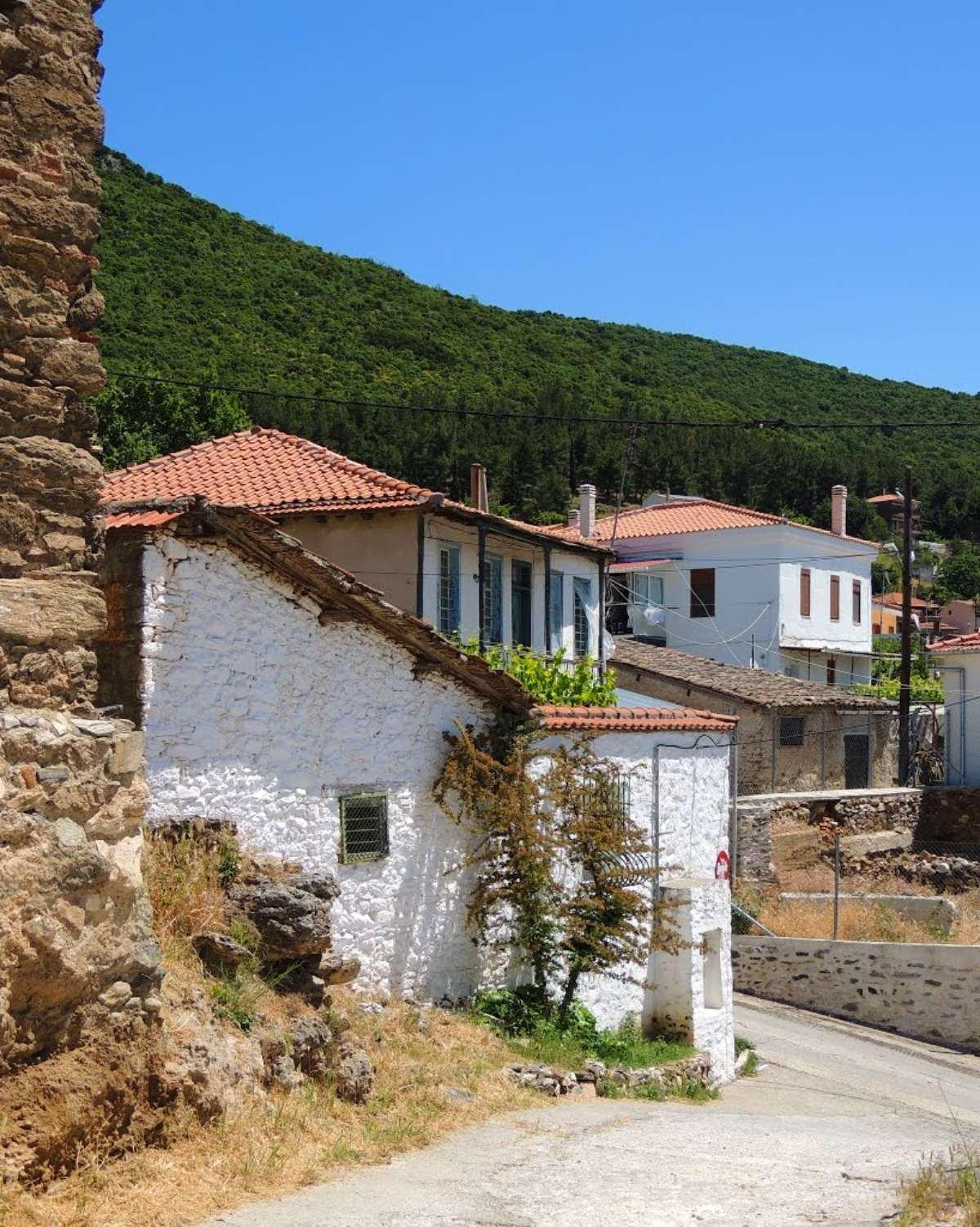 γαλάτιστα χαλκιδικής χωριό σπίτια