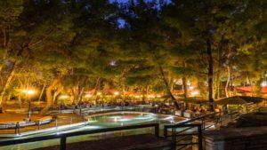 6+1 υπέροχα cafes με πράσινο στην Αθήνα! Για καφεδάκι σε όμορφους κήπους