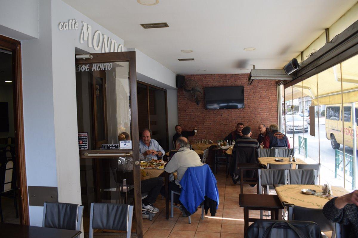 καλύτερα καφενεία Θεσσαλονίκης Cafe Mondo εσωτερικός χώρος