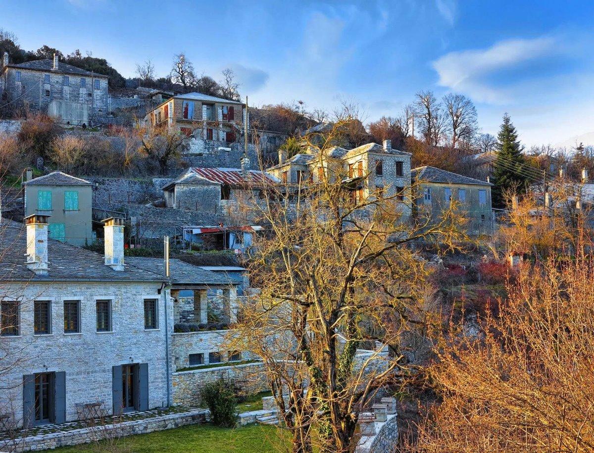 Κάτω Πεδινά χωριό πέτρινα σπίτια