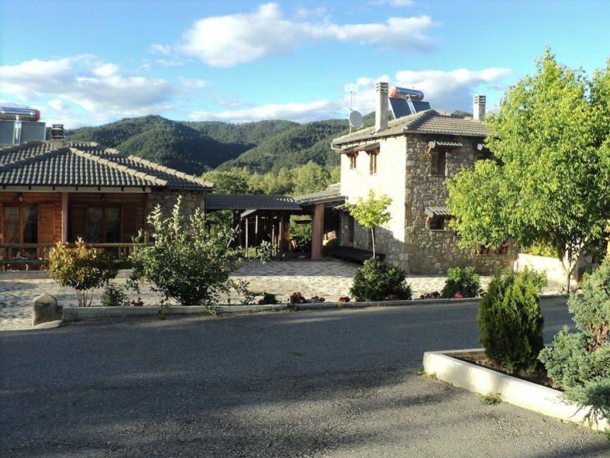 Η Κρανιά στα Γρεβενά με υπέροχο ξενώνα μέσα στο πράσινο
