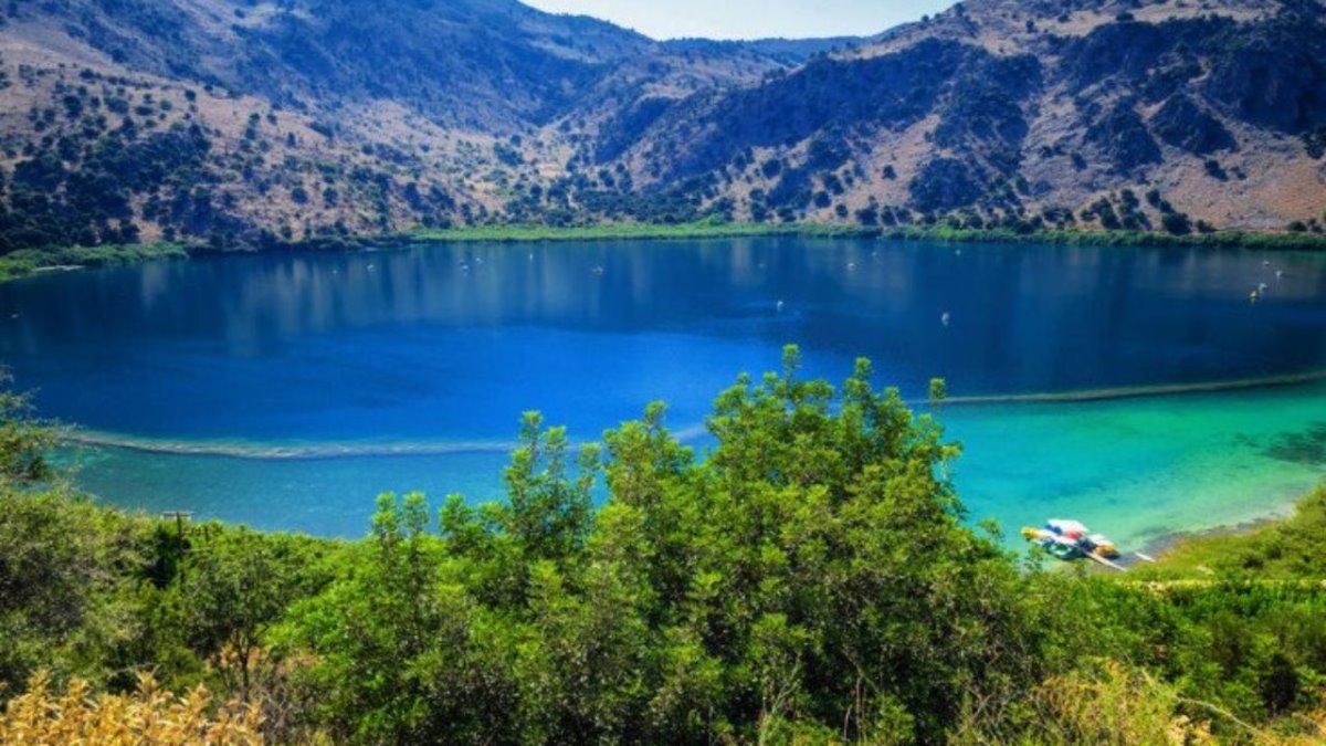 Λίμνη Κουρνά Κρήτη πράσινο