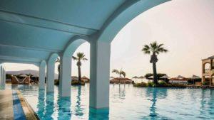 Ποια χώρα άνοιξε τα περισσότερα ξενοδοχεία εν μέσω κορονοϊού;
