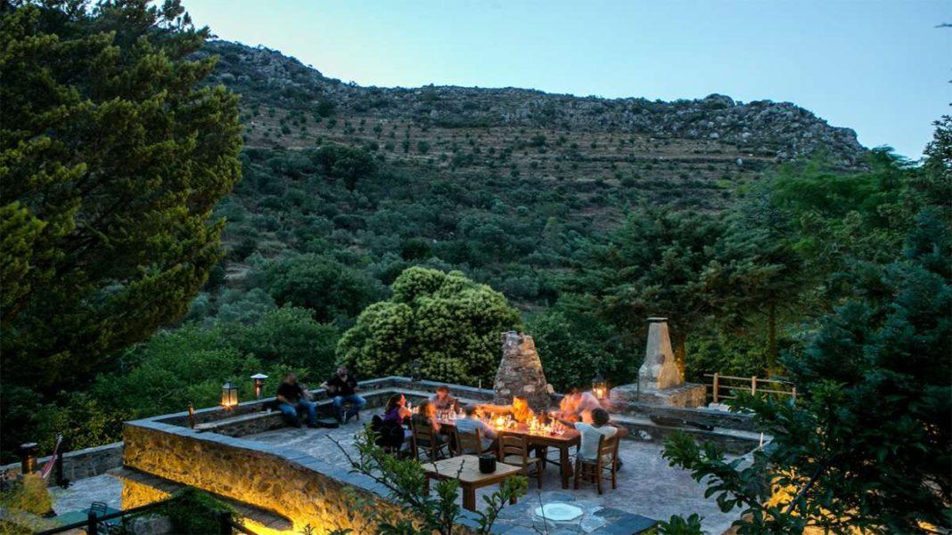 οικοτουριστικό χωριό Μηλιά Κρήτη βεράντα με θέα