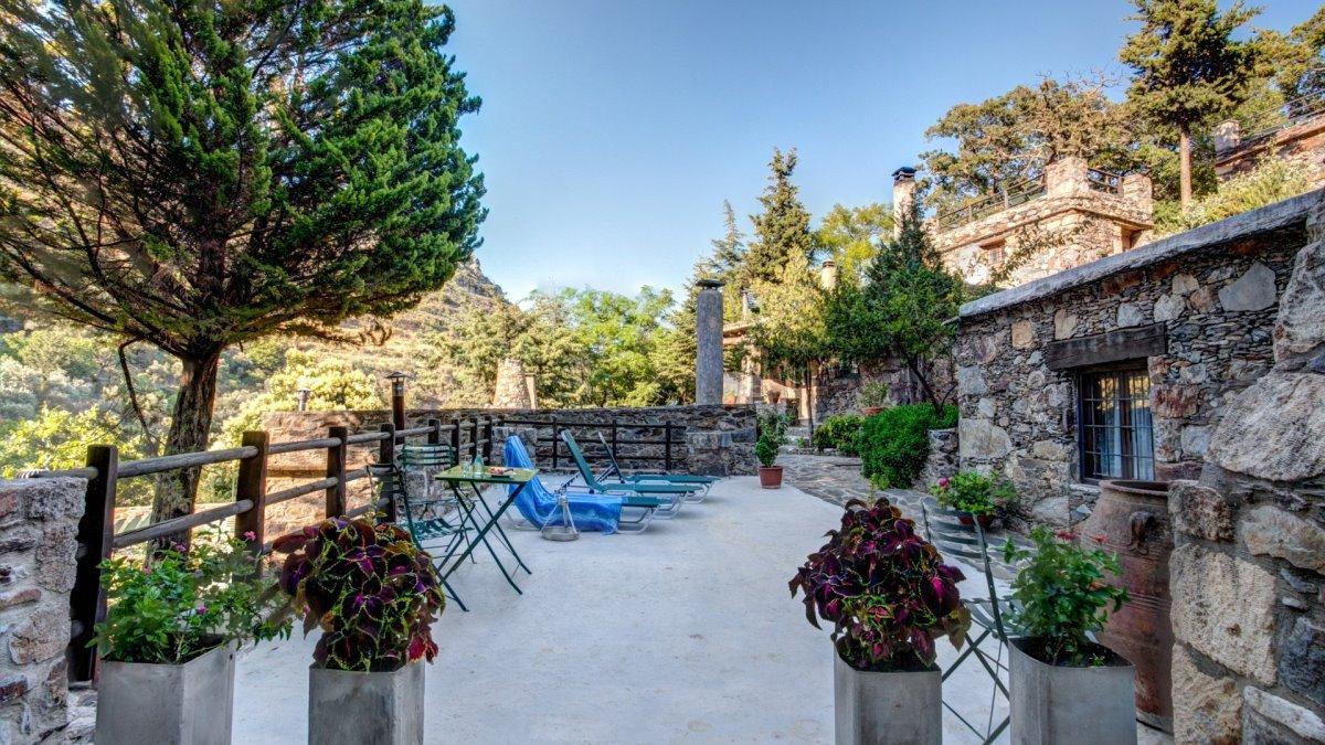 οικοτουριστικό χωριό μηλιά κρήτη βεράντα