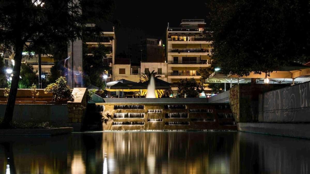 πλατεία νέας σμύρνης νυχτα