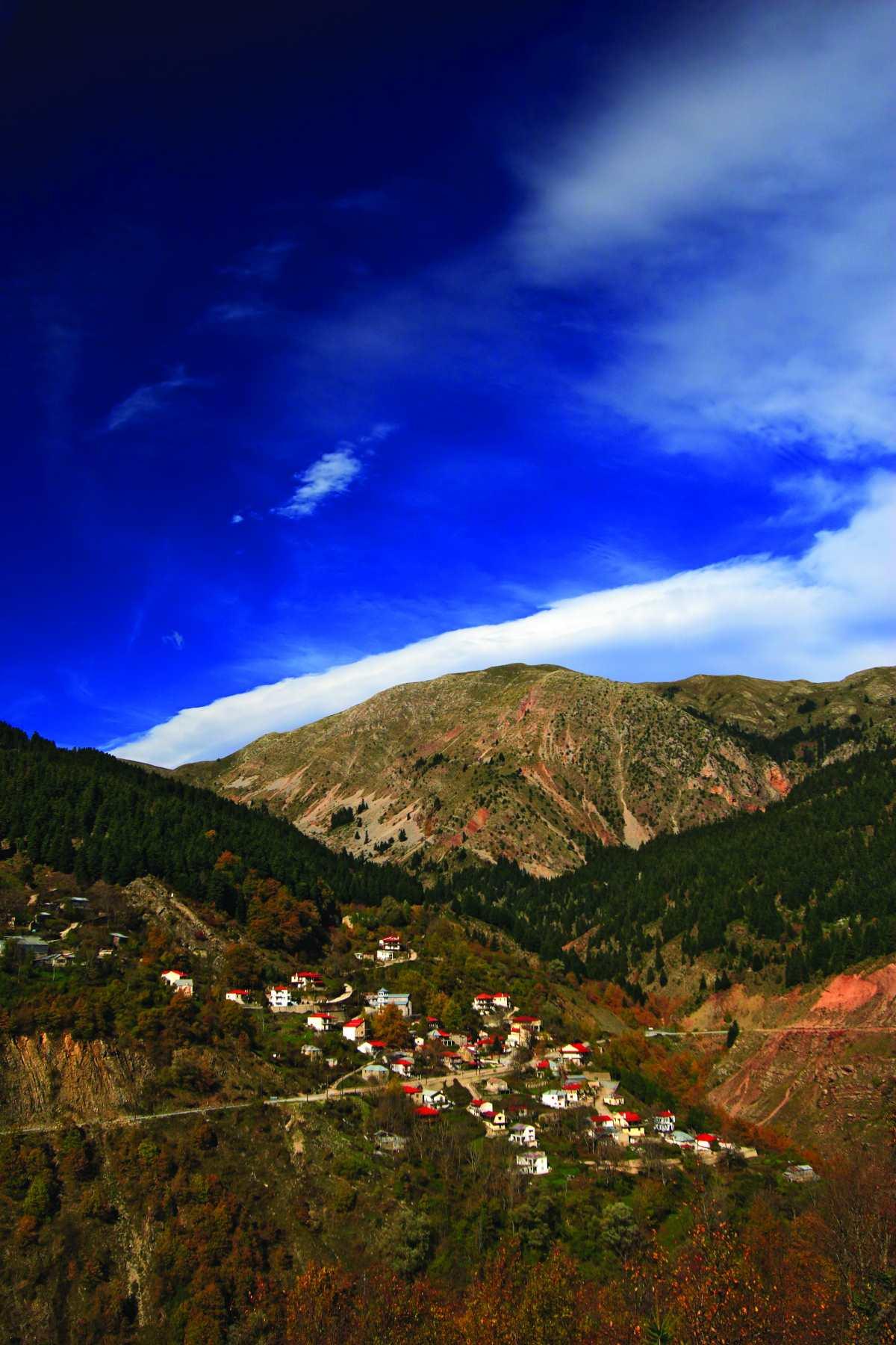 Νεραϊδοχώρι Τρικάλων, πανοραμική εικόνα του χωριού
