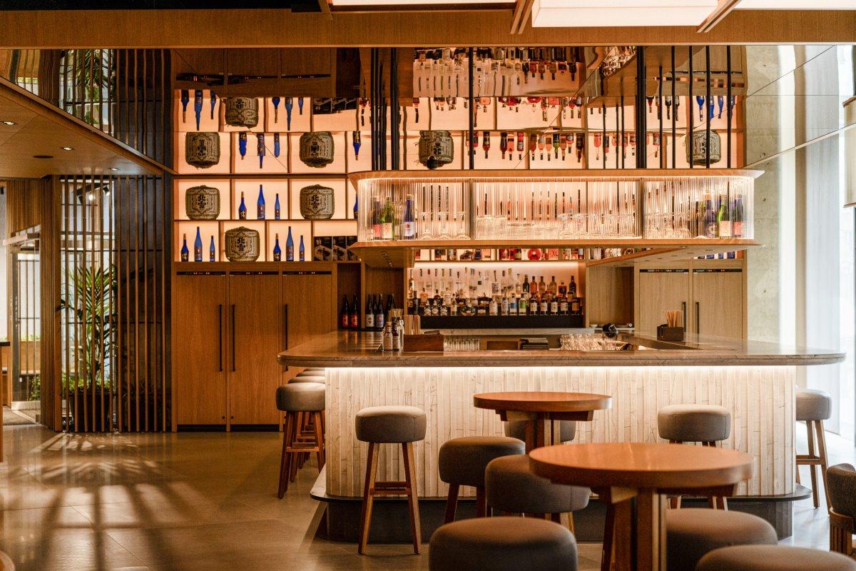 Nobu luxury ξενοδοχείο στη Βαρσοβία του De Niro ιαπωνικό εστιατόριο
