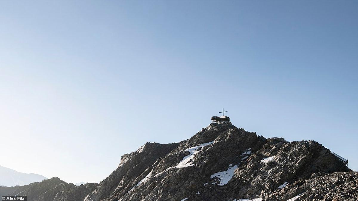 Otzi Peak πλατφόρμα παρατήρησης Άλπεις μακρινή λήψη