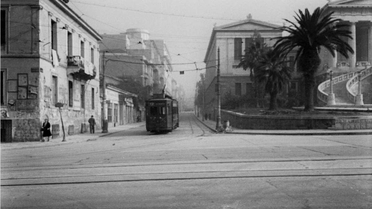 Παλιά Αθήνα κτήρια που δεν υπάρχουν πια και τραμ