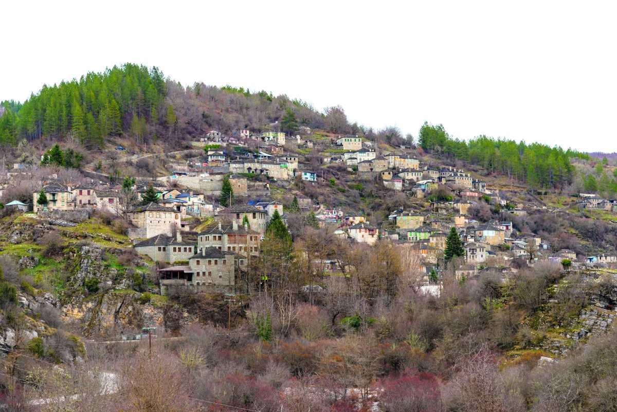 Πανοραμική εικόνα του χωριού Κήποι στο Ζαγόρι