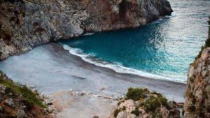 1+1 παραλίες στην Εύβοια από την πλευρά του Αιγαίου που μοιάζουν με κομμάτια από τον παράδεισο!