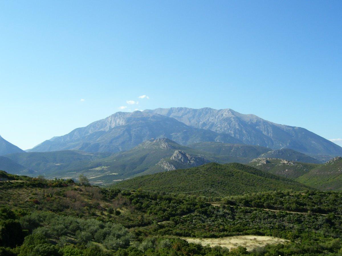 Παρνασσός ταξίδι σε 6 βουνά της Ελλάδας πανοραμική