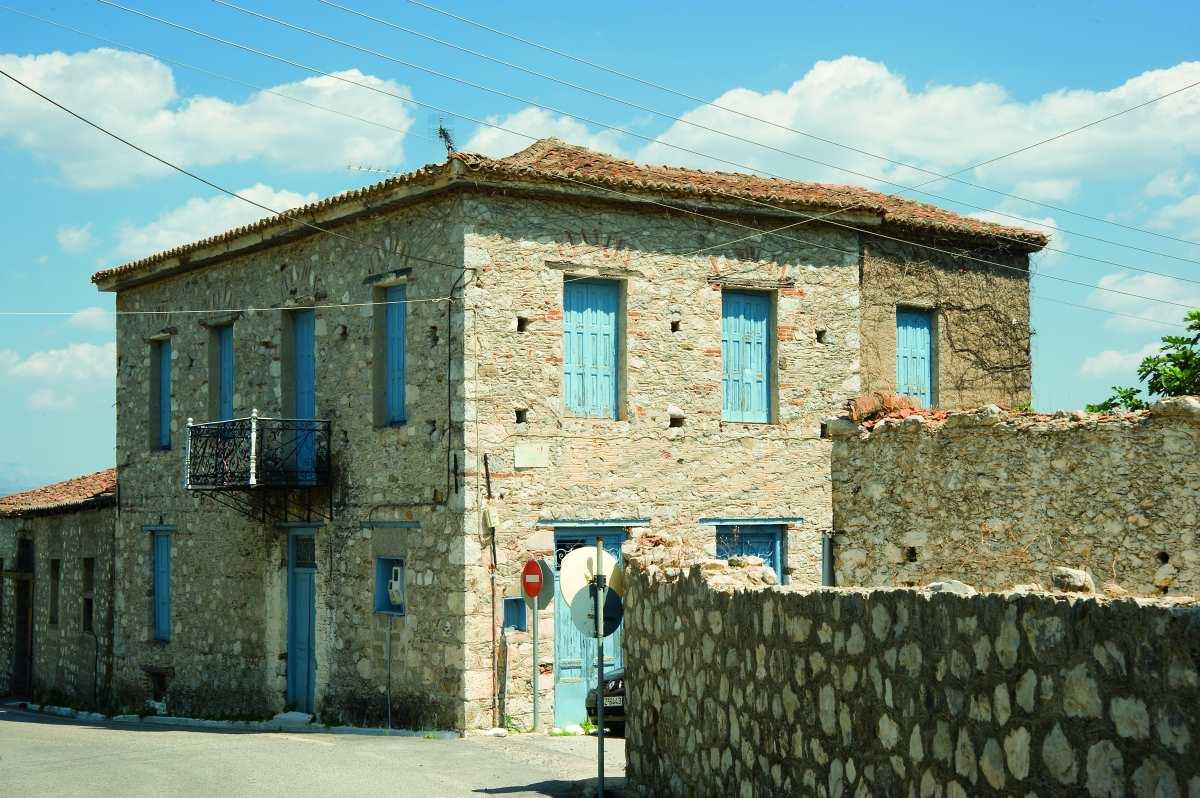 Παρόρι Λακωνίας, πέτρινο κτήριο