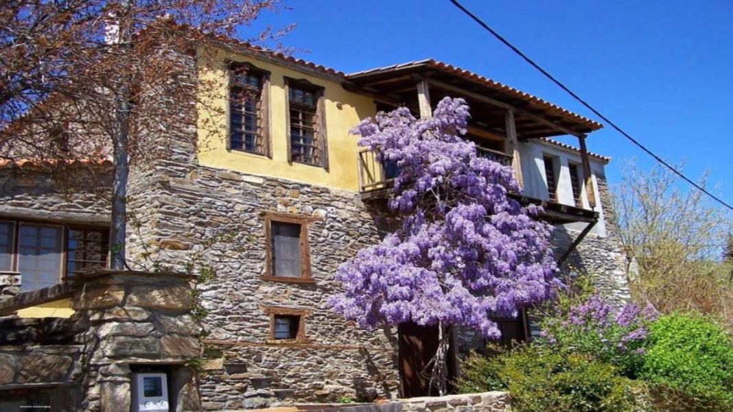 παρθενώνας χωριό Χαλκιδικής παραδοσιακό σπίτι