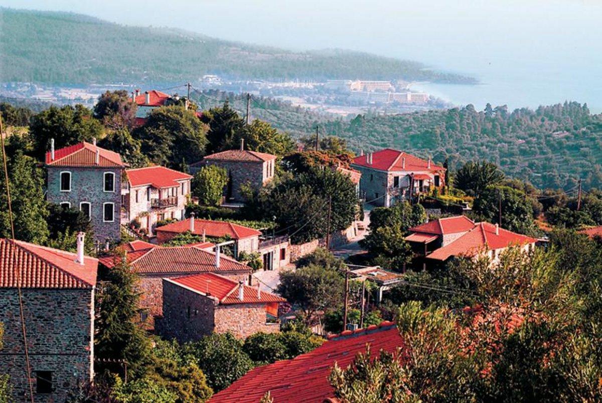 Παρθενώνας χωριό Χαλκιδικής με φανταστική θέα κοντά στη Θεσσαλονίκη