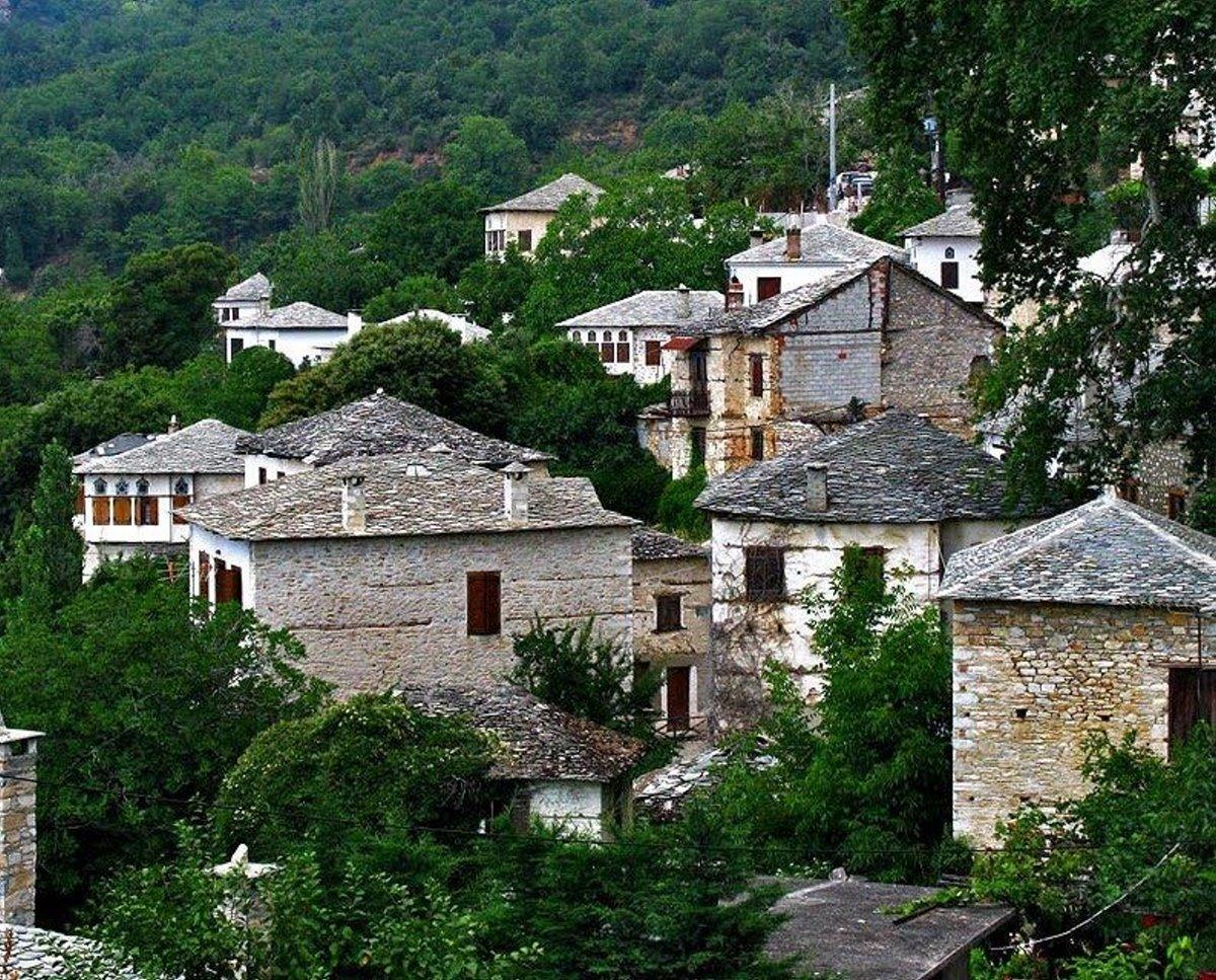 Πινακάτες χωριό Πήλιο μέσα στο πράσινο