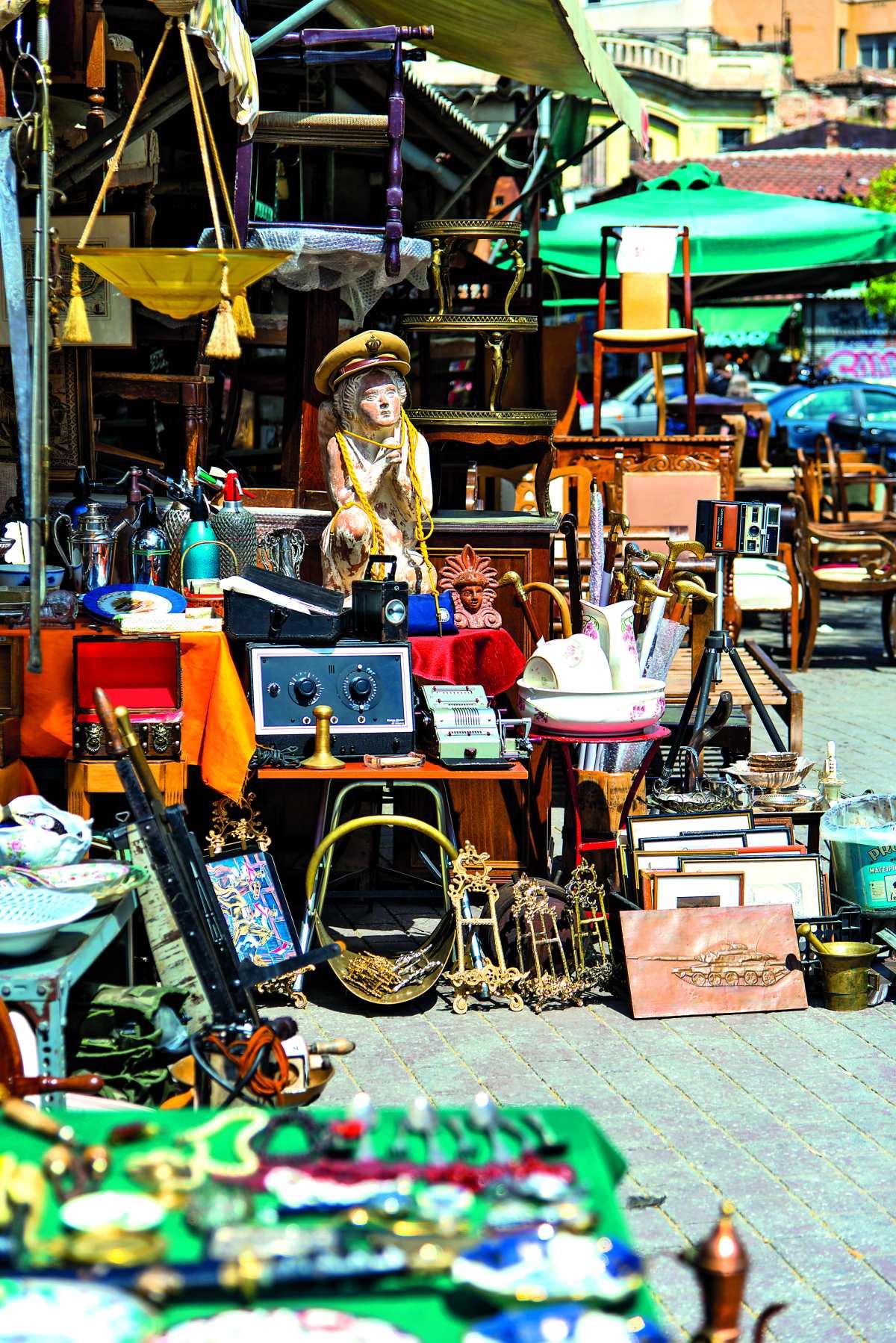 Πλατεία Αβησσυνίας, αντικείμενα second hand προς πώληση