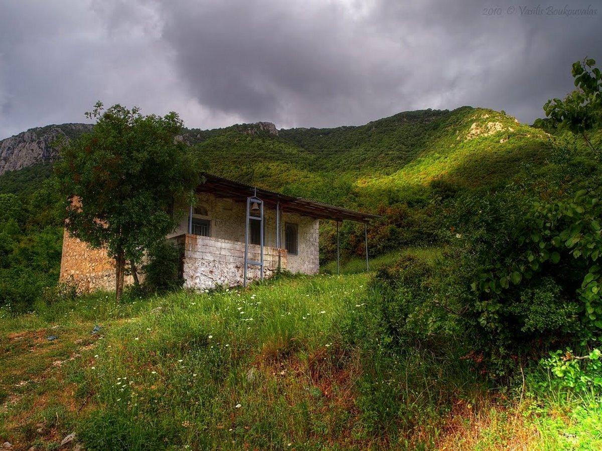 Πωγώνι ακριτικό χωριό Ηπείρου γραφικό ξωκλήσι