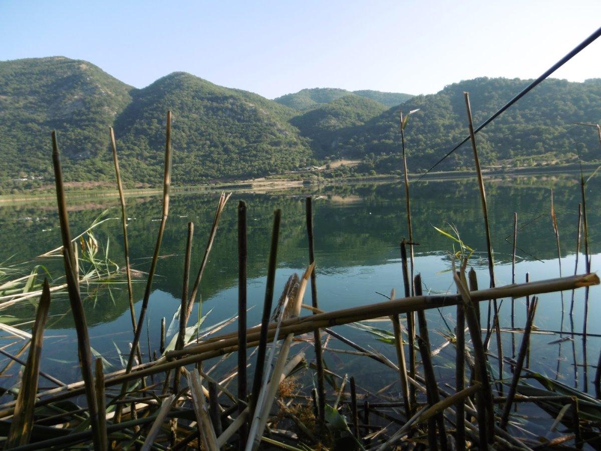 Πωγώνι ακριτικό χωριό Ηπείρου λίμνη Ζαραβίνα βαθύτερη Ελλάδας κοντινό