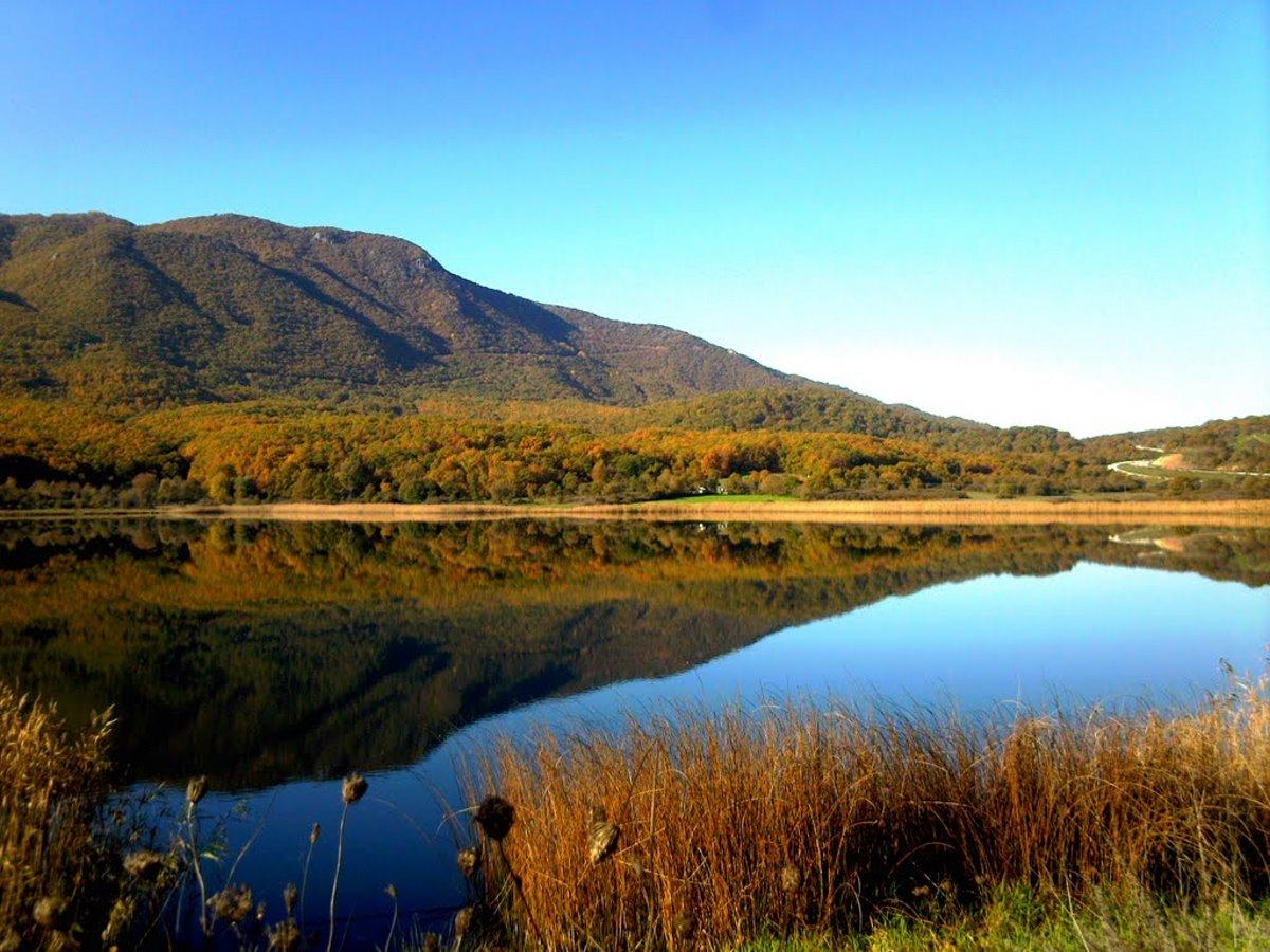Πωγώνι ακριτικό χωριό Ηπείρου λίμνη Ζαραβίνα βαθύτερη Ελλάδας