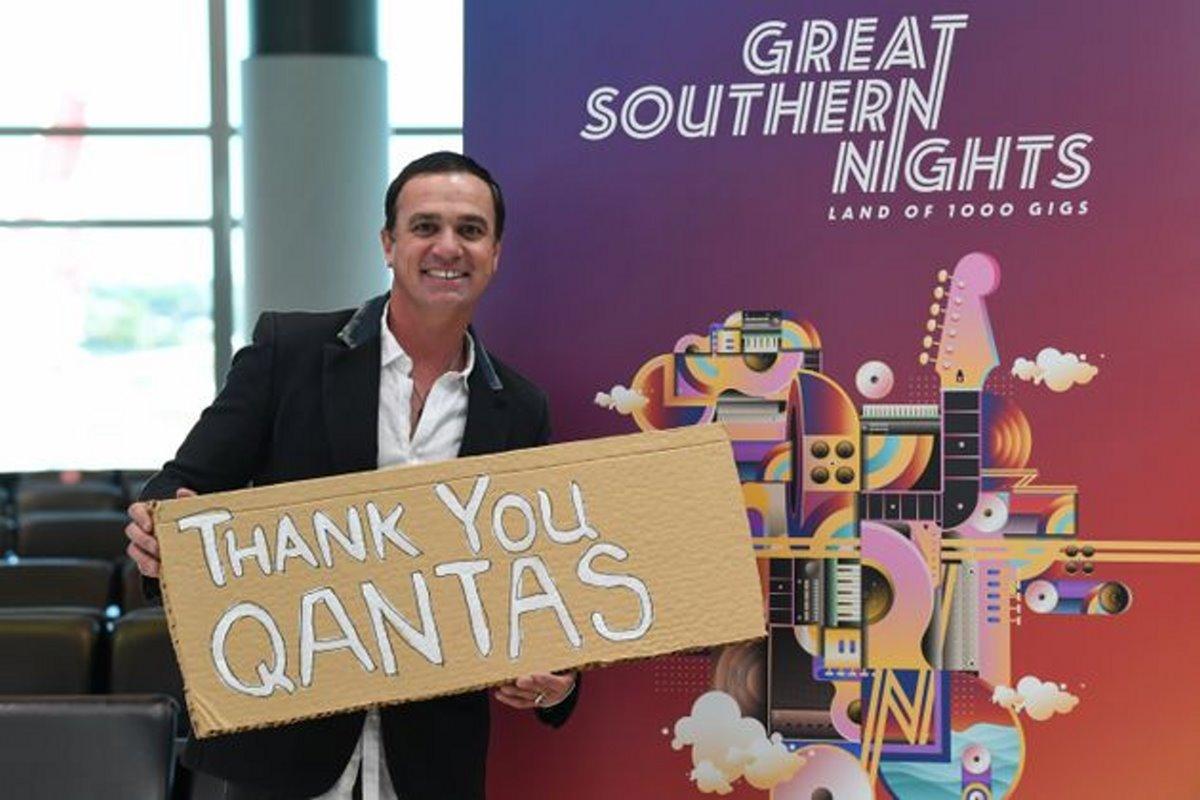 Qantas πτήση στο πουθενά επιβάτης στο αεροδρόμιο πριν την πτήση