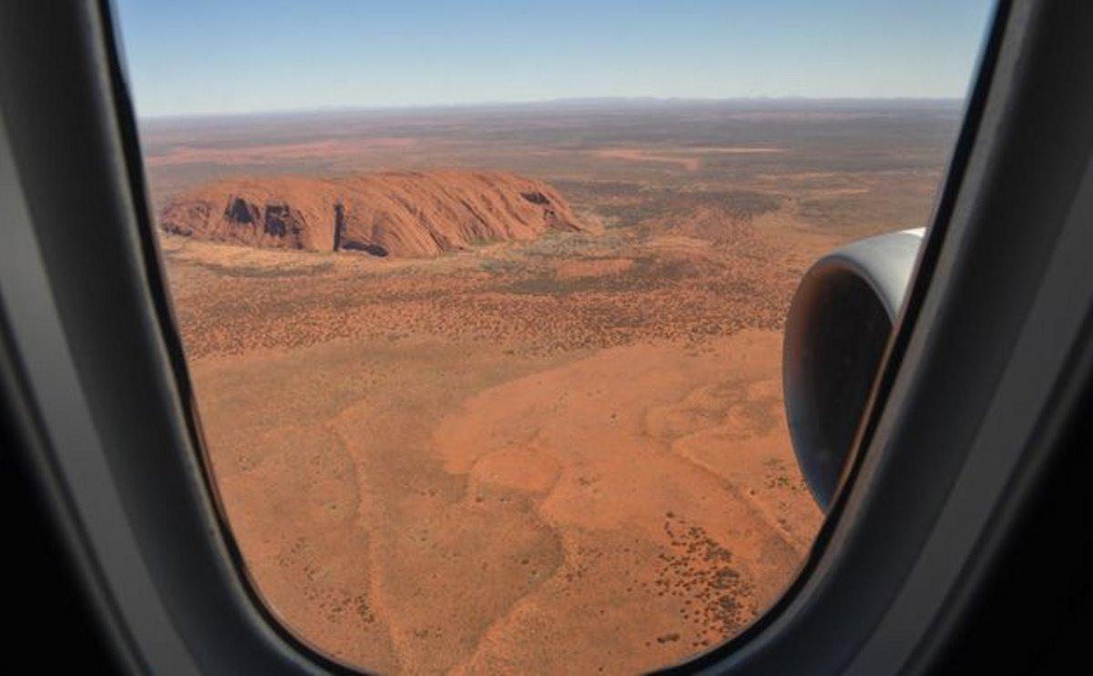 Qantas πτήση στο πουθενά θέα από το παράθυρο του αεροπλάνου