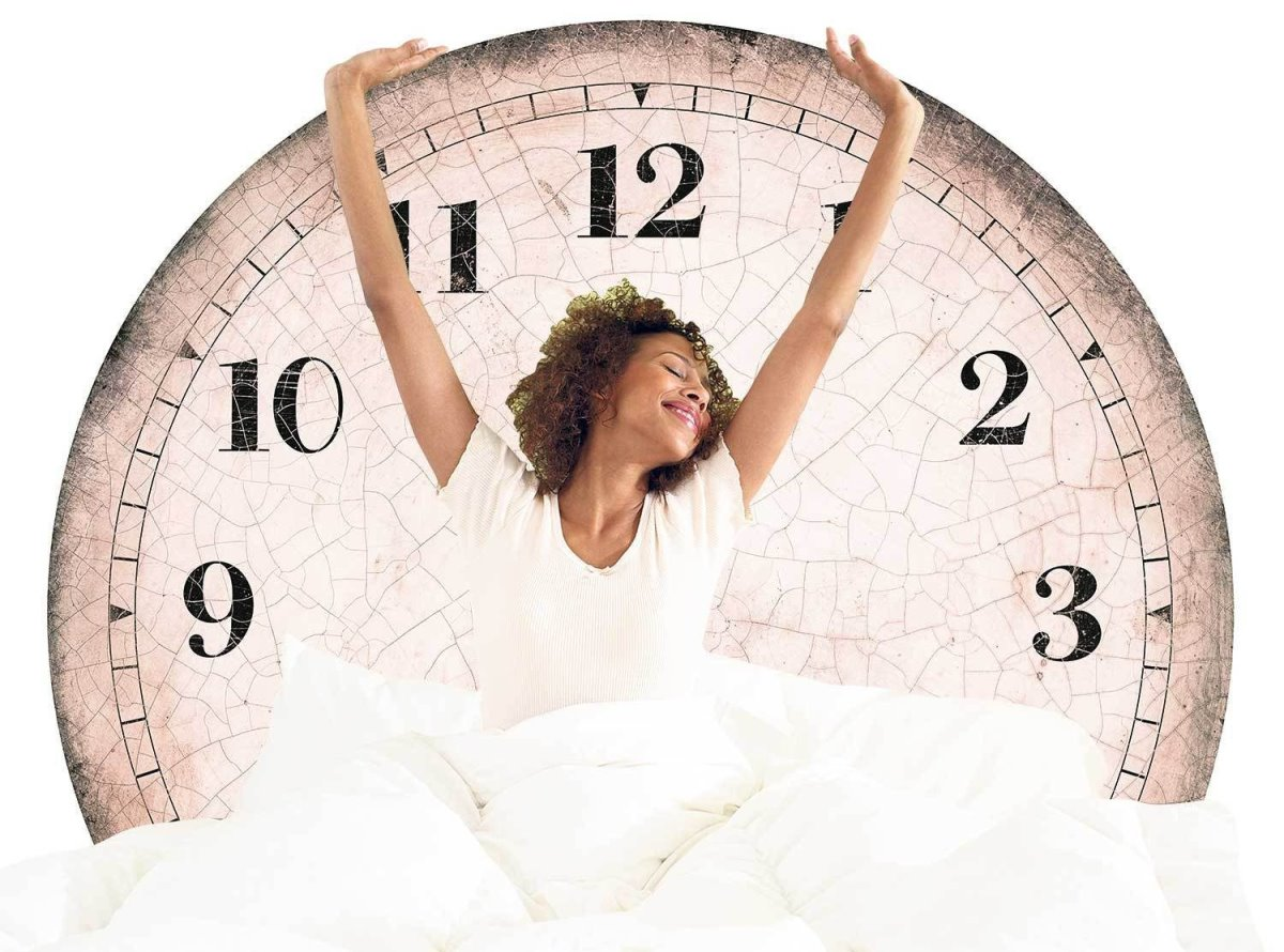 αλλαγή ώρας με κοπέλα και ρολόι