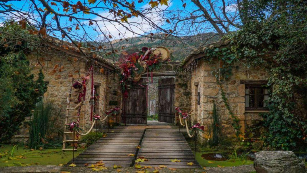 Σελιάνα χωριό της ορεινης Αιγείρας με υπέροχα παραδοσιακά σπίτια