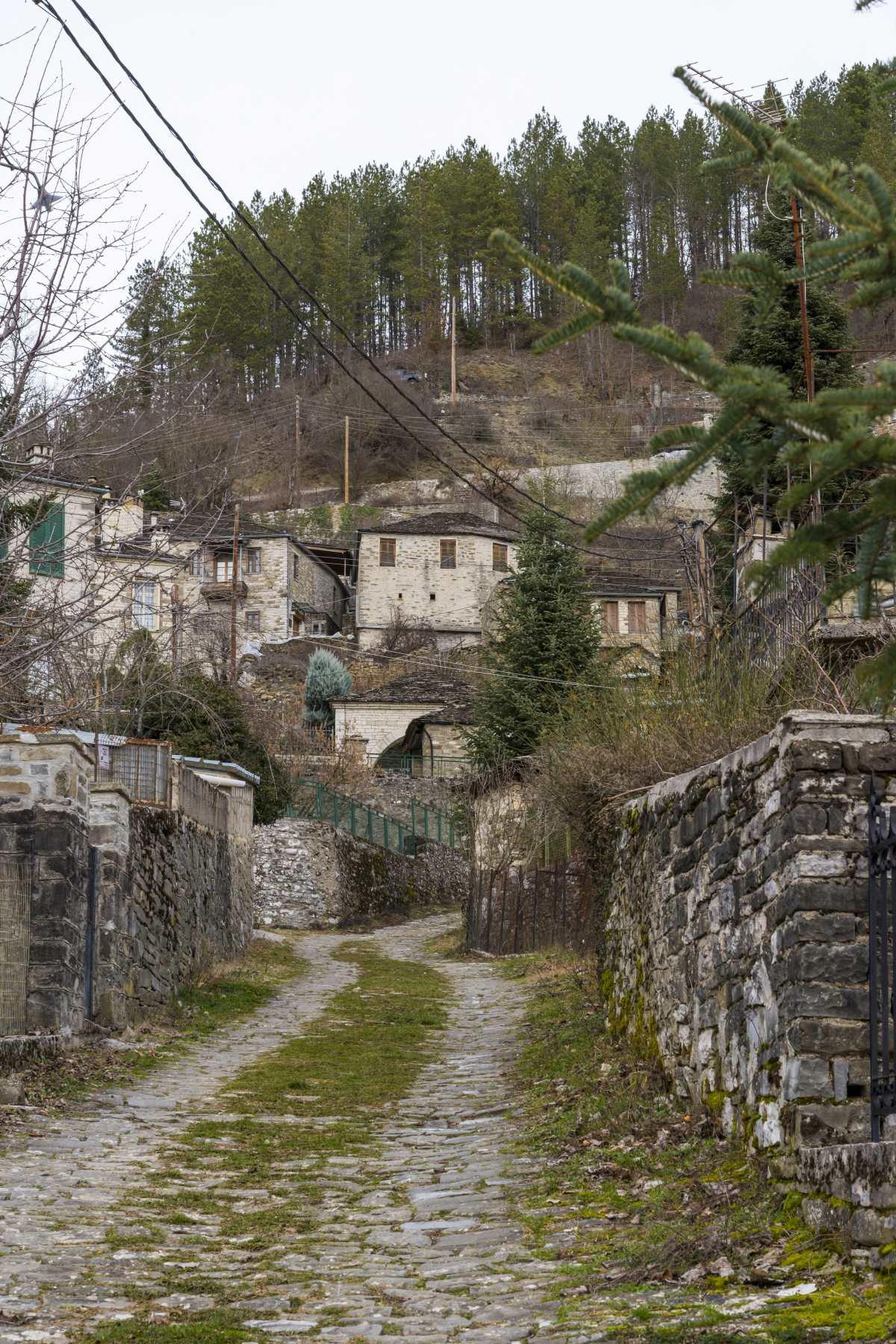 Βόλτα στα λιιθόστρωτα σοκάκια στους Κήπους, Ζαγοροχώρια